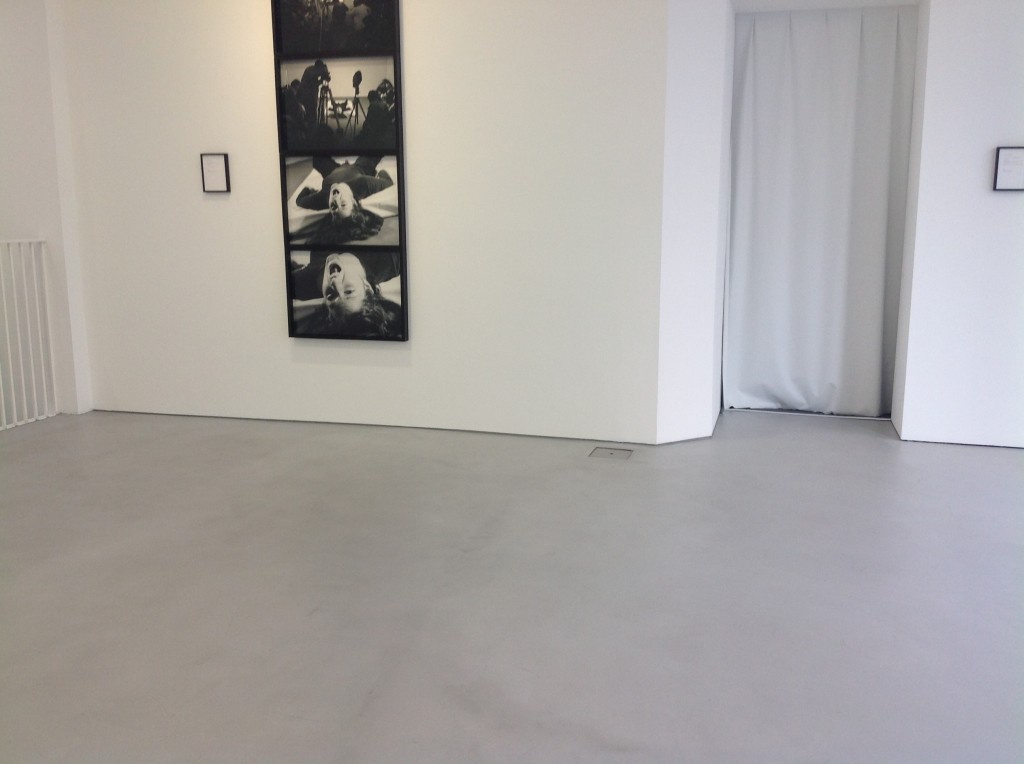 Microscreed to gallery floor