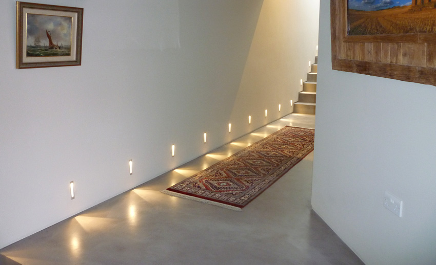 Microscreed floor with floorlights